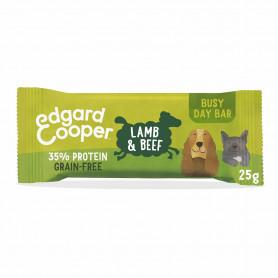 Edgard & Cooper, barritas sin cereales con cordero, vacuno, remolacha, zanahoria  y manzana